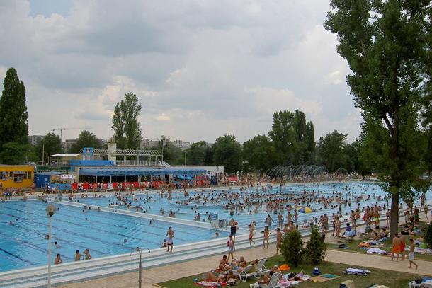 Термальная купальня «Палатинус» с бассейнами