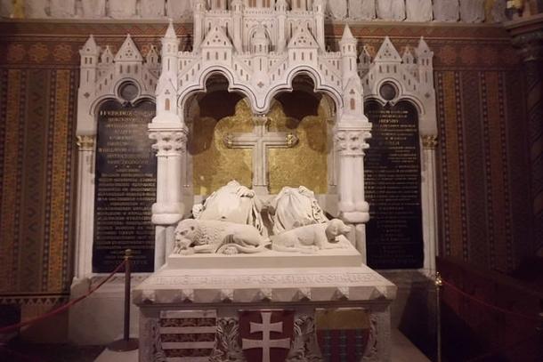 Саркофаг короля Венгрии