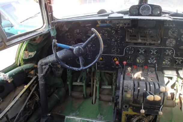 Музей авиации, в кабине Ил-14
