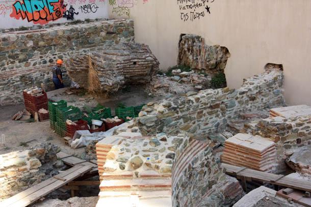 Археологи за работой