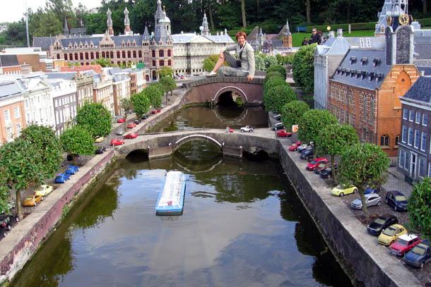 Нидерланды, парк миниатюр Мадюродам. Я как Гулливер в стране лиллипутов ...