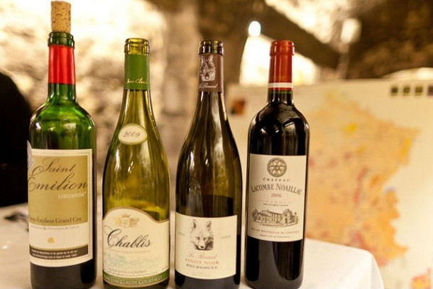 Дегустация вина, Сент-Эмильон, Франция