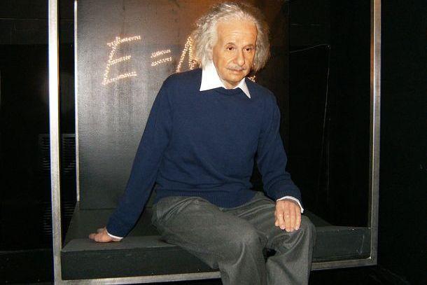Восковая фигура Эйнштейна