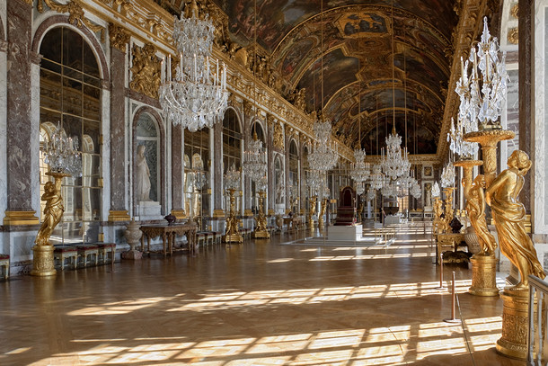 Версальский дворец, внутреннее убранство