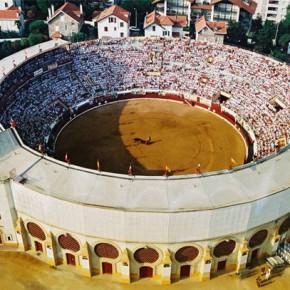 Крупнейшая арена для корриды в Байонне