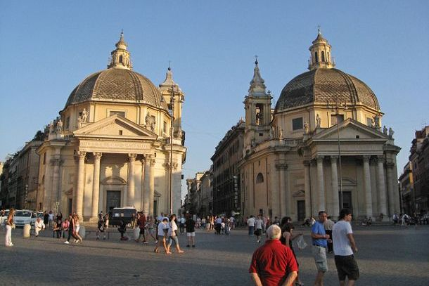 Церкви Санта-Мария-деи-Мираколи и Санта-Мария-ин-Монтесанто