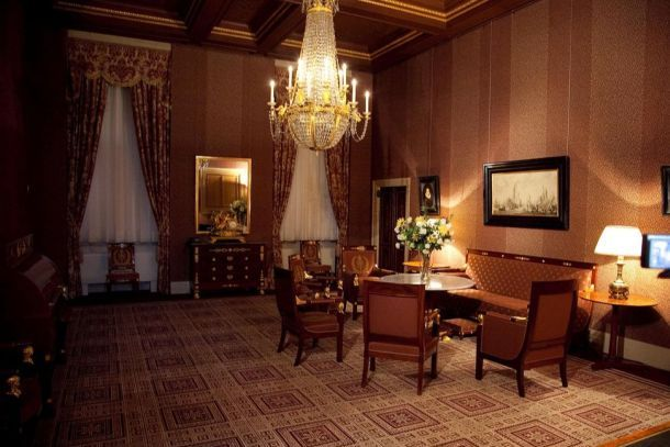 Конференц-зал в Королевском Дворце Амстердама