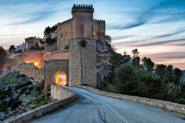 Въезд в замок Аларкон