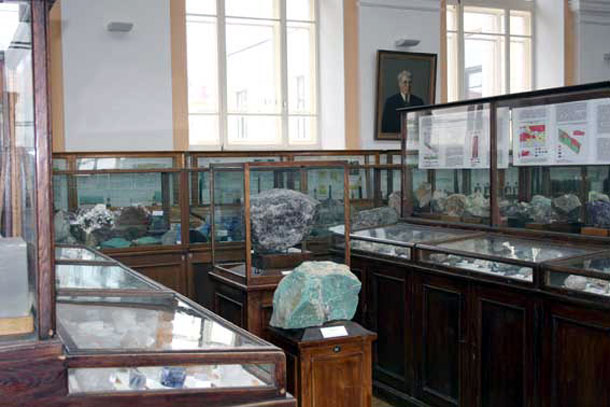 Геологоразведочный музей Петербурга -экспонаты