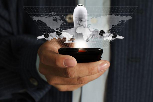 Пользование мобильным телефоном в самолете
