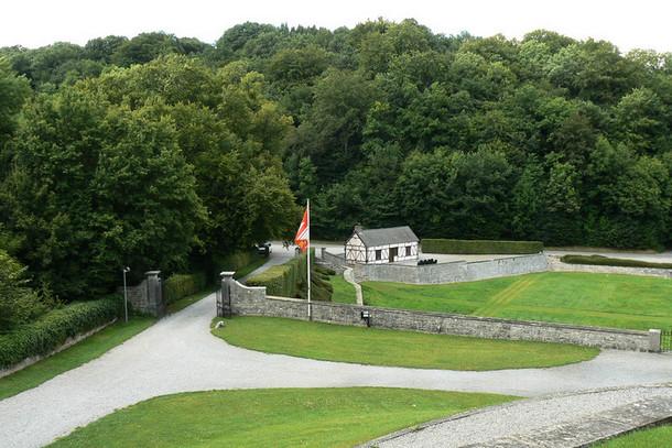 Замок Вев (Château de Vêves), Бельгия