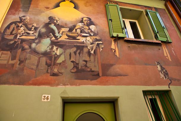 Доцца - картины на стенах домов, Ремо Бриндизи