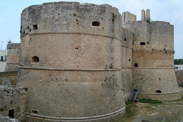 Арагонский замок Отранто, Италия