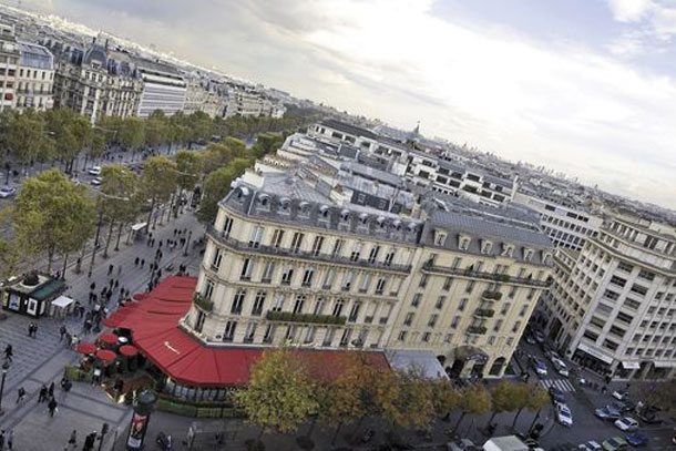 Отель le fouquets в Париже вид сверху