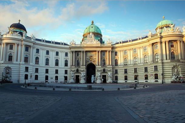 Хофбург – зимняя резиденция Габсбургов в Вене