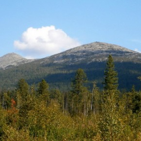 Кваркуш — горный хребет на Северном Урале