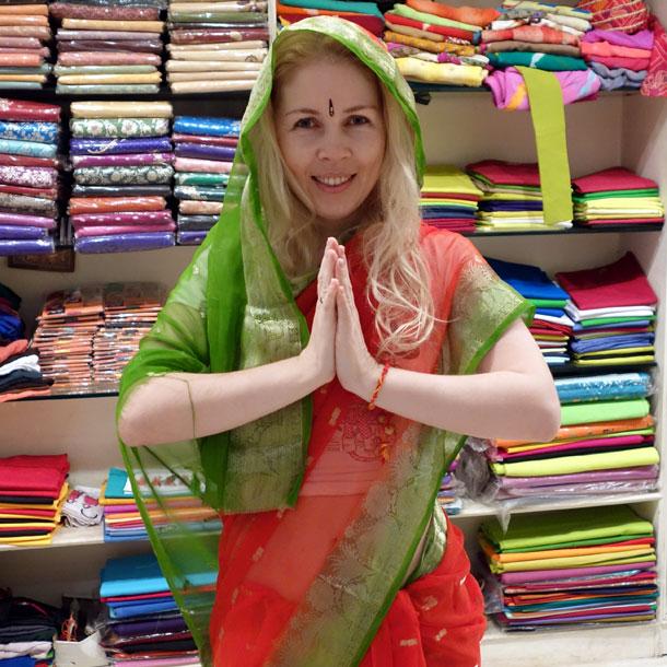 Нью Дели. Индия. Магазин индийского сари