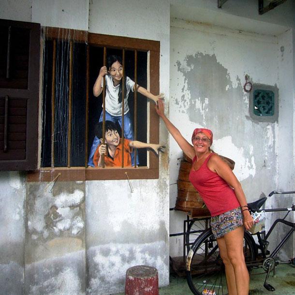 Сюжетные картины Эрнеста Захаревича в Джоджтауне. Малайзия