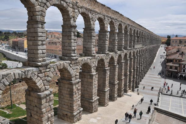 Сеговия. Испания. Древний акведук