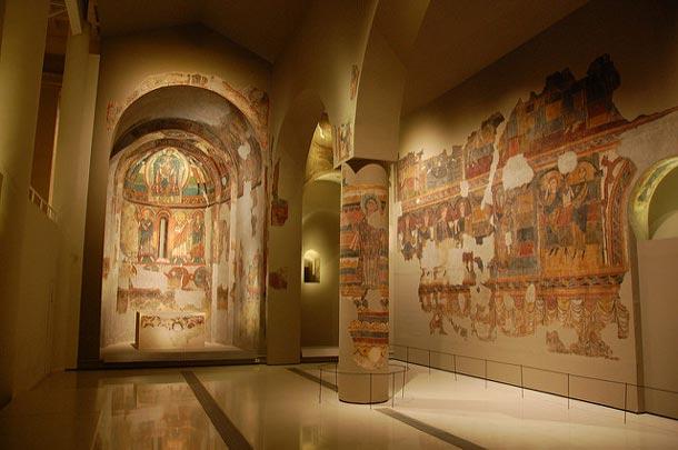 внутри музея искусства Каталонии