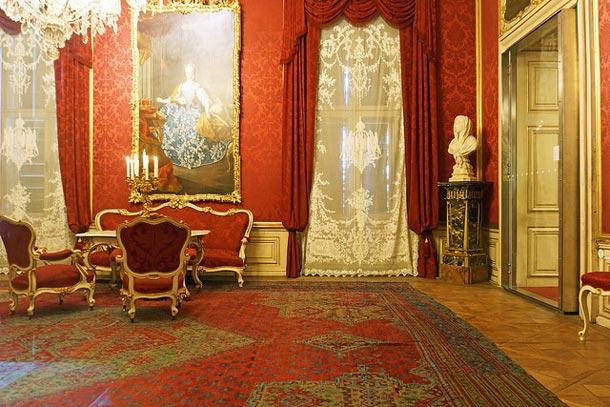 зал дворца Шёнбрунн